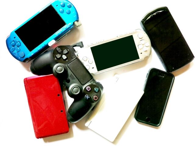 ゲーム友達とたくさんのゲームをプレイ